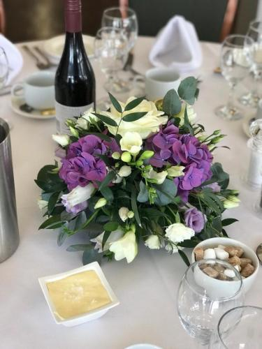 Small table arrangements