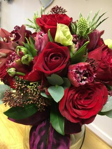 Red rose and tulip wedding