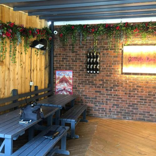 Cocktail Bar flower installation