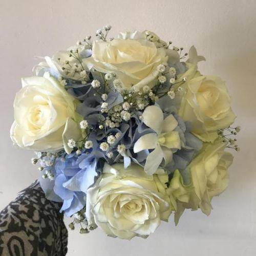 Modern blue and white bouquet
